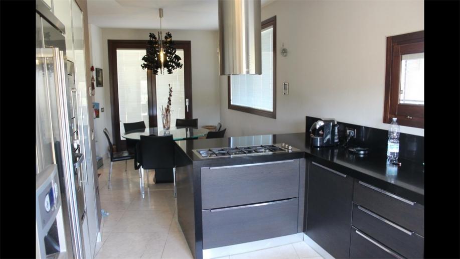 Pesaro - zona santa veneranda - unifamiliare casa singola in vendita