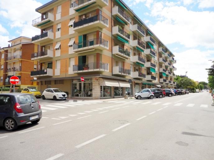 Pesaro - zona piazza redi - appartamento in vendita
