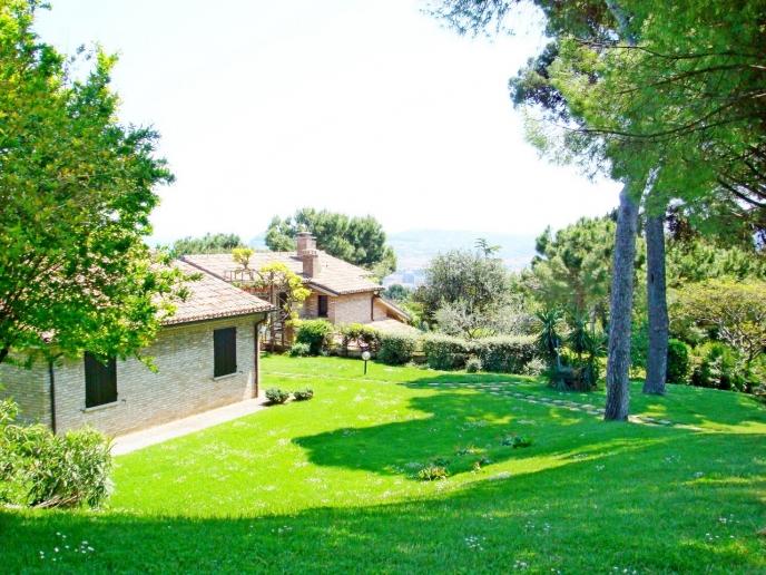 Pesaro - zona panoramica san bartolo - unifamiliare villa in vendita