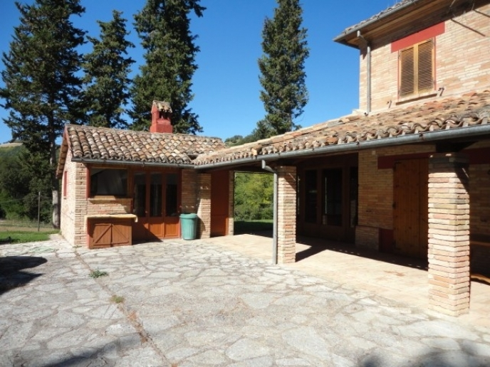 Mombaroccio - zona  - rustico-casolare-cascina in vendita